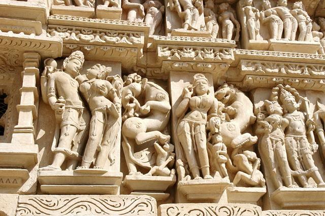 Скульптуры храмов Кхаджурахо