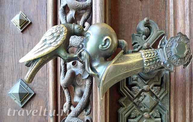 Дверная ручка с фамильным гербом Ш