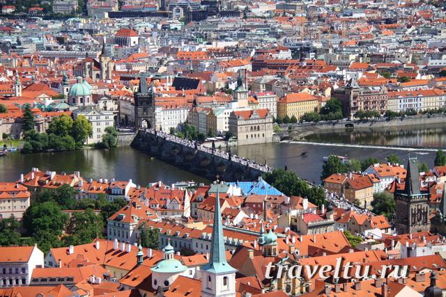 Вид на Прагу с колокольни св. Вита