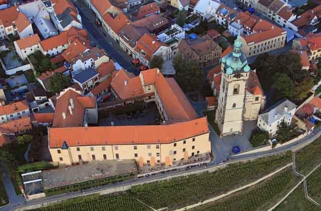 Замок Мельник с высоты птичьего полета