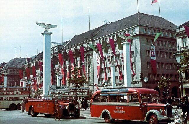 1937 год Унтер-ден-Линден украшена к визиту Муссолини