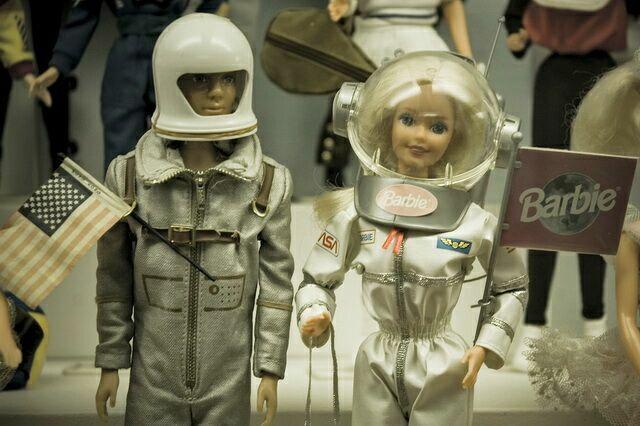 Барби астронавт