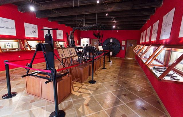 Экспозиция музей секс машин