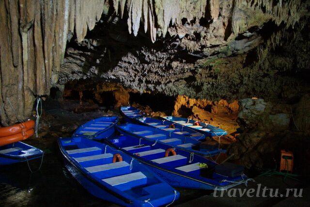 Лодочная станция в пещере