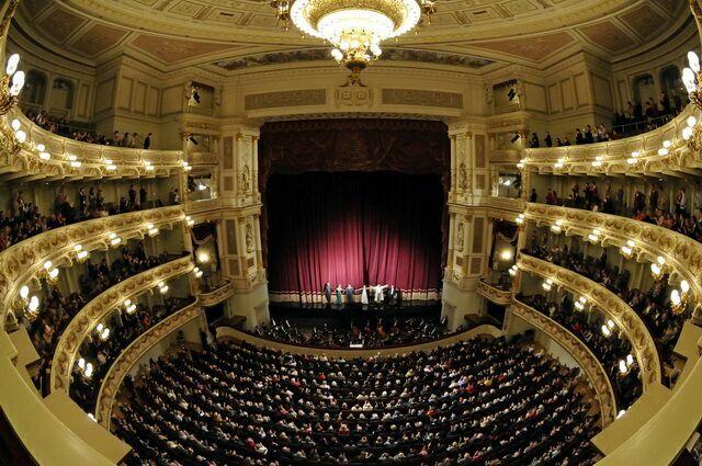 Зал опера Земпера