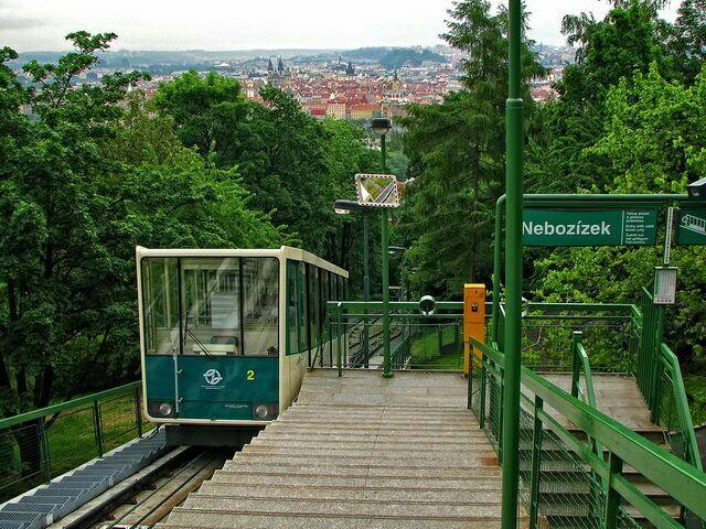 Фуникулер в Праге 5