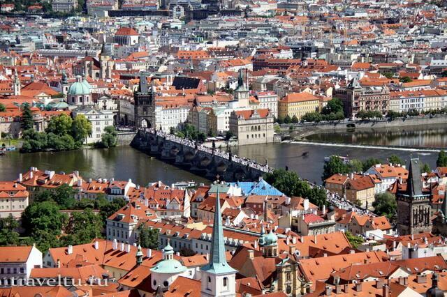 Вид на мост со смотровой площадки Пражского Града
