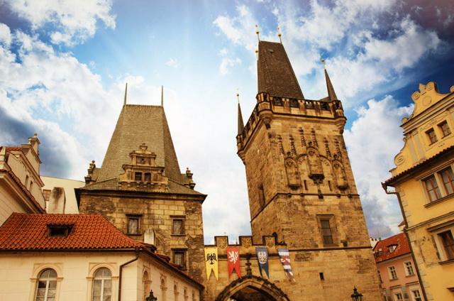 Малостранские мостовые башни Прага