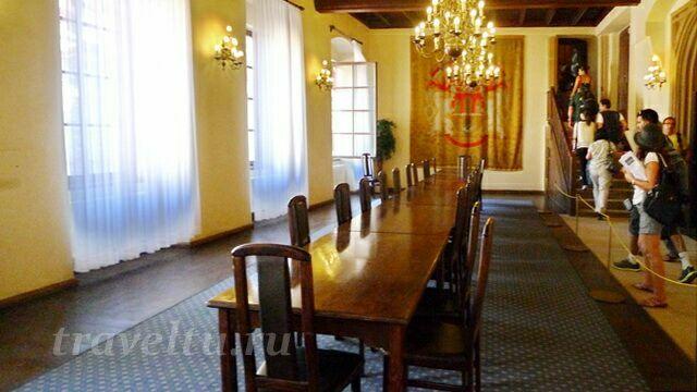 Стол заседаний