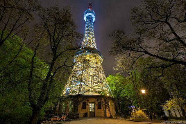 Вечерняя Башня Петршин
