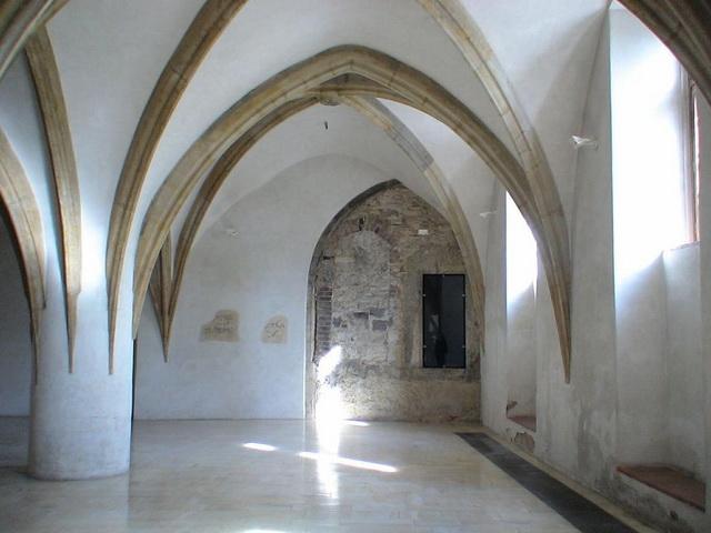 Готический зал