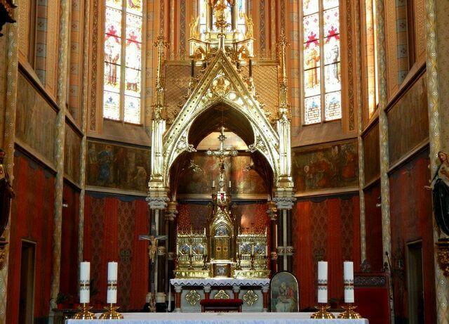 Храм святой людмилы алтарь