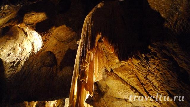 Плащ пункевные пещеры