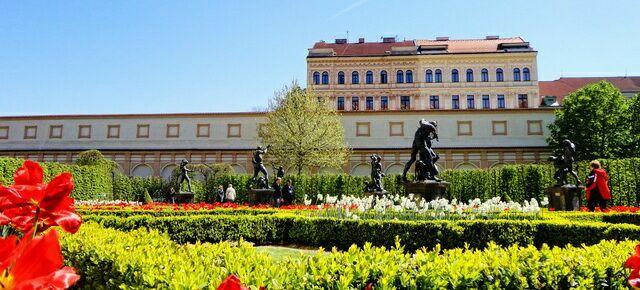 Вальдштейнский дворец