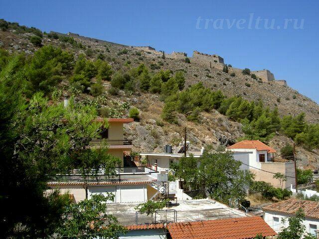 Вид с балкона на крепость