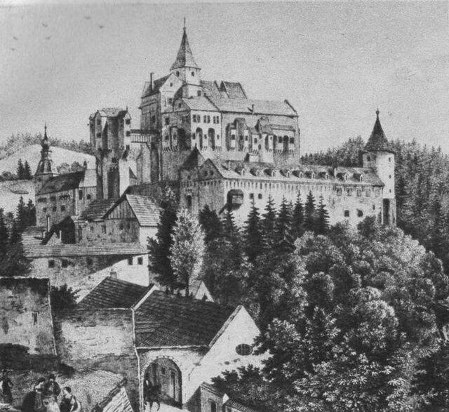 Замок Пернштейн картинка