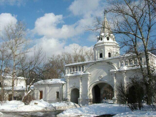 Белая башня в Измайлово