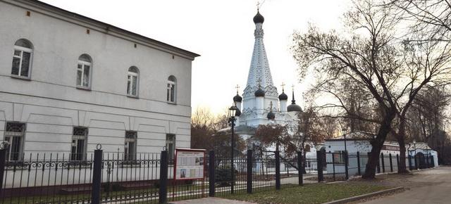 hram-pokrova-presvyatoy-bogoroditsyi-v-medvedkovo