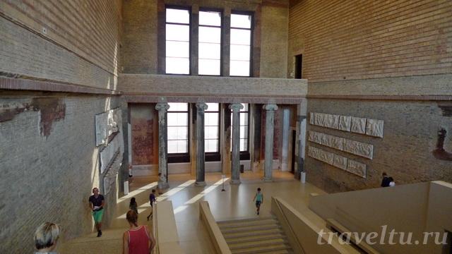 Холл музея
