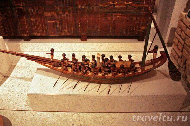 Деревянная лодка египтян