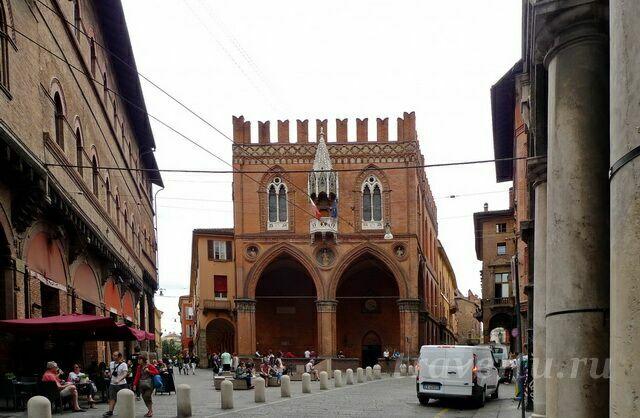 Palazzo della Mercanzia