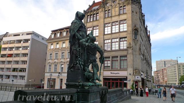 Памятник святой Гертруде