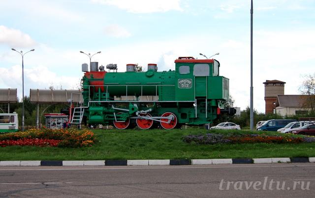 Паровоз на вокзале Большая Волга