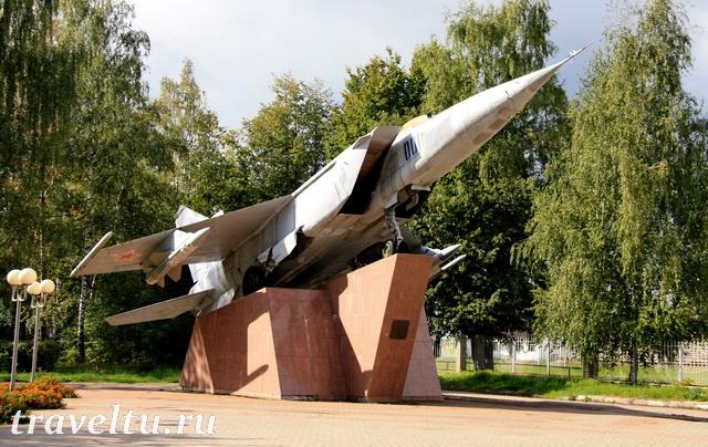 Самолет Миг-25