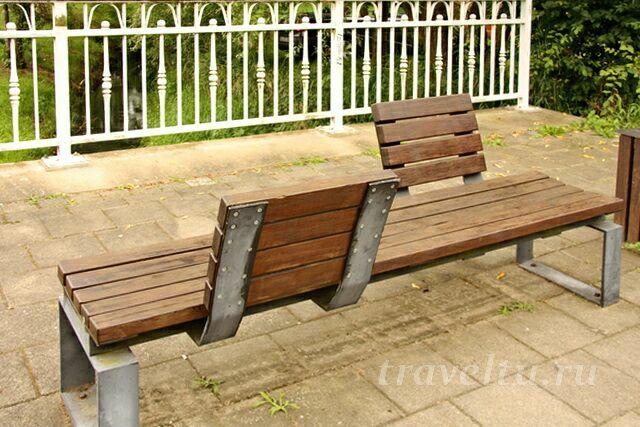 Оригинальная скамейка для бесед