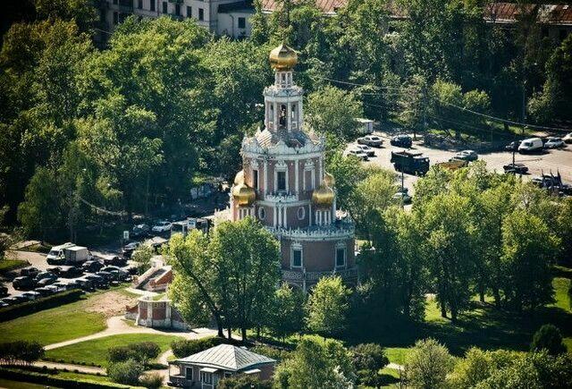 Церковь Покрова в Филях сверху