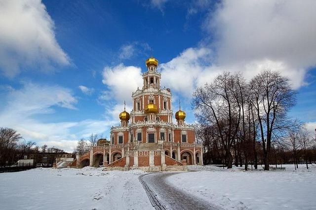 Церковь Покрова в Филях зимой