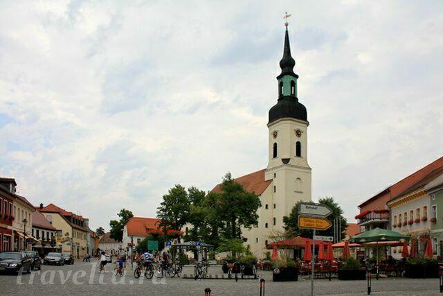 Площадь и храм св. Николая