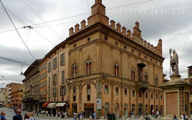 Еще здания Болоньи