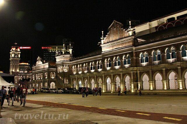 Дворец султана Абдул-Самада ночью
