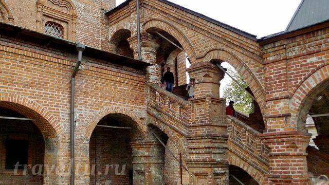 Крыльцо успенского собора