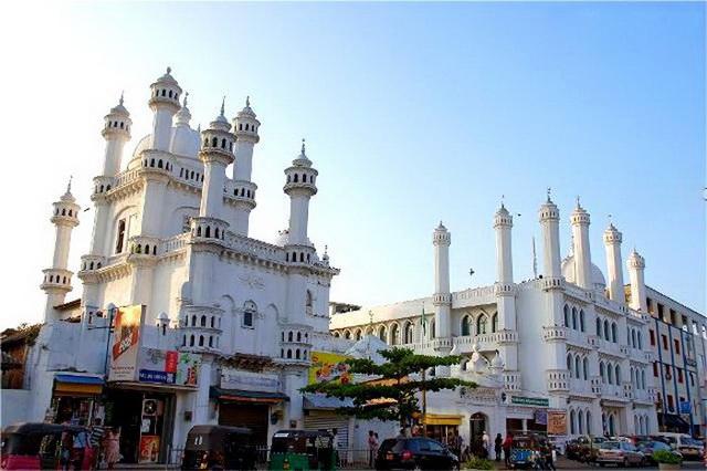 musulmanskaya-mechet-dewatagaha-jumma