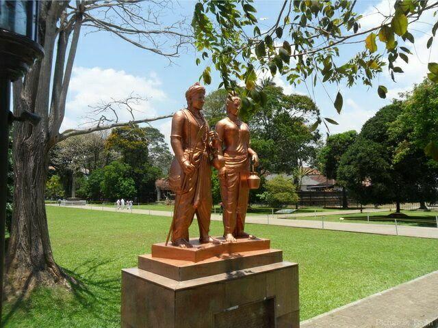 Памятник принцессе Хемамале и принцу Дантхе