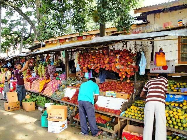 Рыночек в Канди