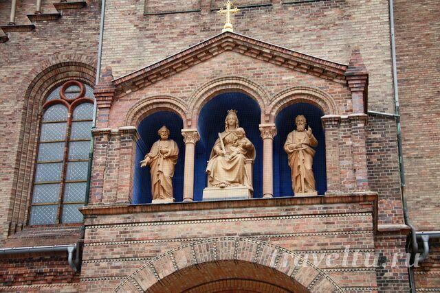 Собор Петра и Павла. Фигуры