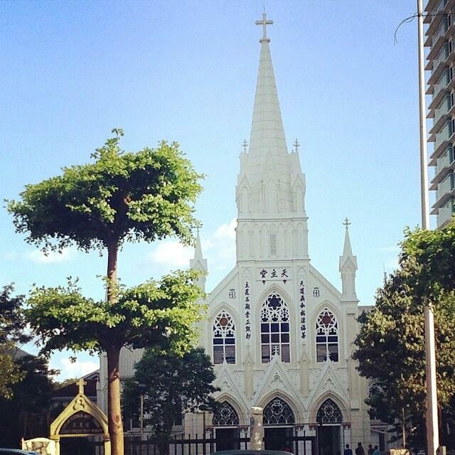 Церковь Святого Розария в Куала-Лумпуре (Holy Rosary Church). Стиль - неоготика