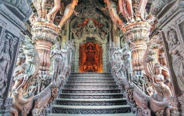 hram-istinyi-v-tailande
