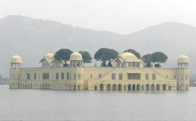 Парящий дворец
