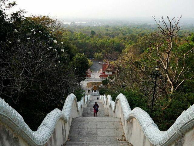 Вид сверху от Мондопа