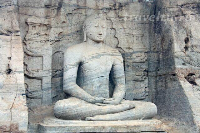 Самадхи статуя