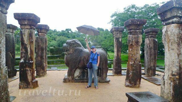 skulpturyi-hramyi-dvorets-1-i-galya