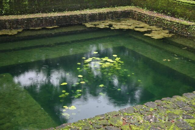 voda-basseyn