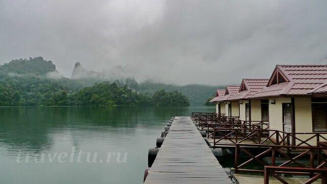Бунгала на озере Чео Лан