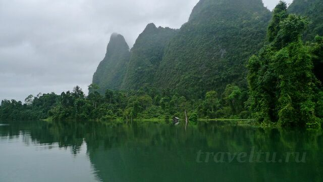Домик на озере Чео Лан