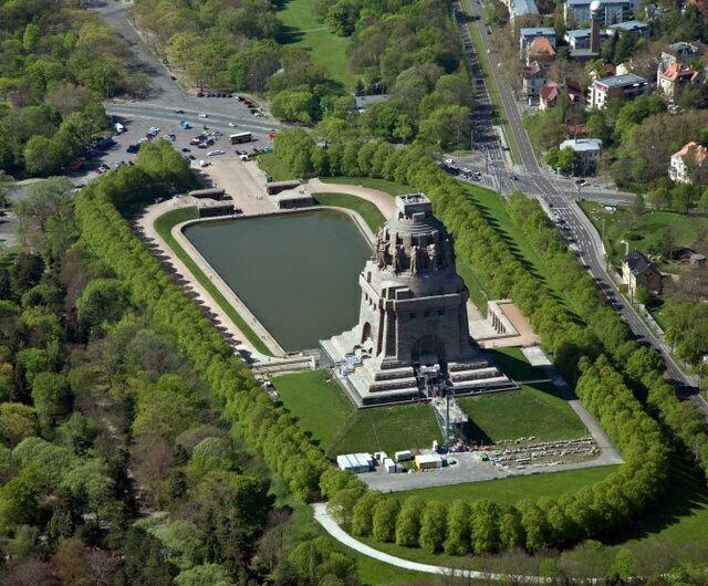 Памятник Битве народов вид сверху