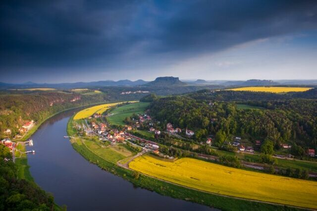 dresden elbe valley essay Unesco announced on thursday that it was removing dresden's elbe valley from its list of world heritage sites the decision is the result of a bridge the city is currently building across the valley.